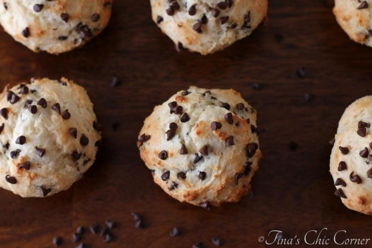 02Light Chocolate Chip Muffins