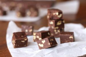 Chocolate and Nut Fudge04