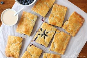Giant Blueberry Hand Pie02