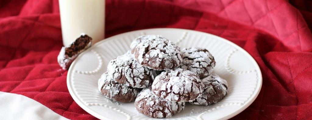 Chocolate Crinkle Cookies11