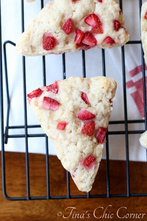 Strawberry Scones02
