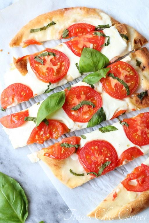 Margherita Naan Pizza08