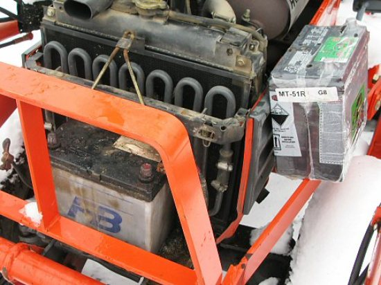 Tractor battery change