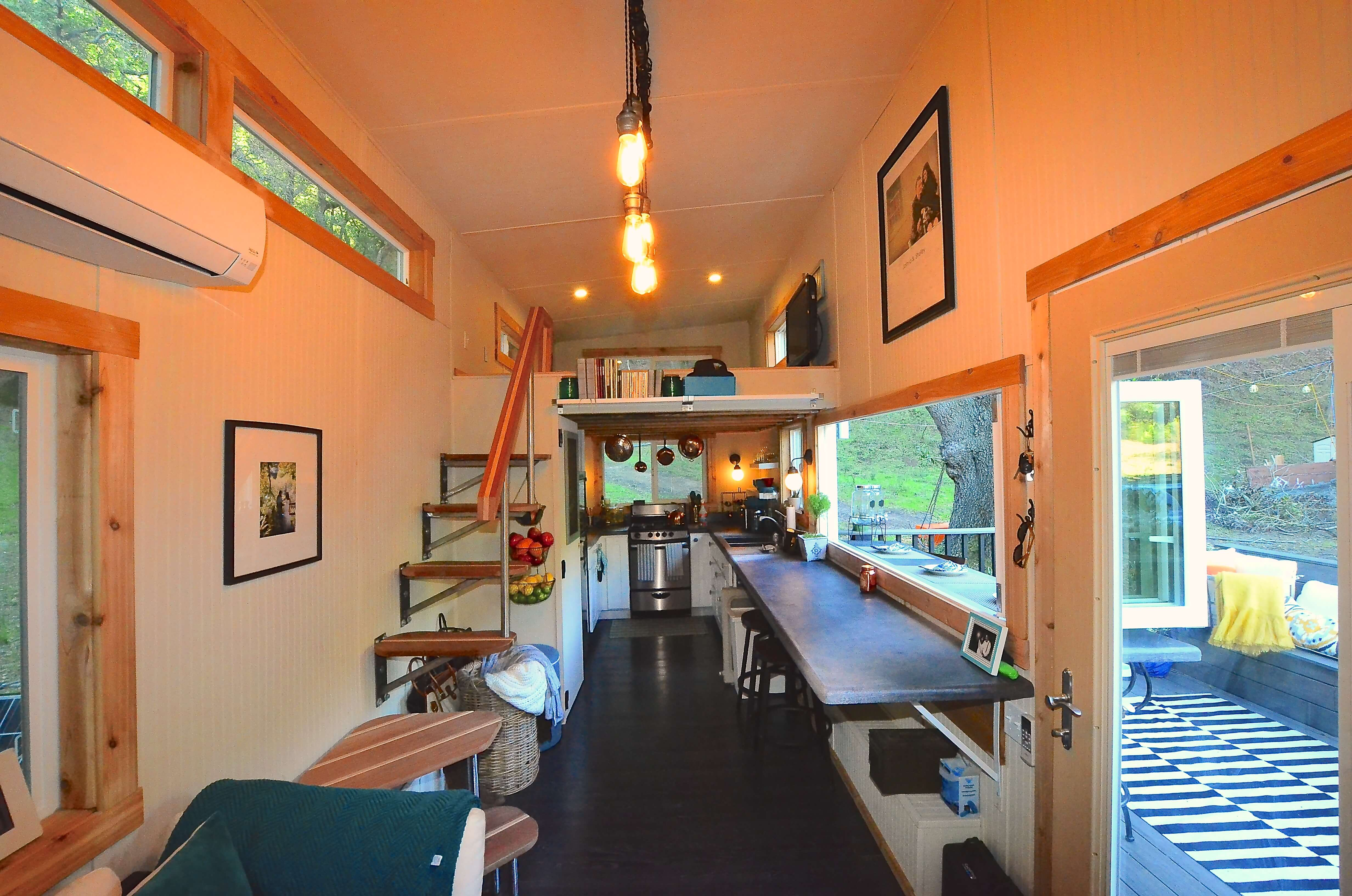 Tiny house walk through interior tiny house basics for Tiny house interieur
