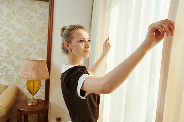 7 Cleaning Secrets From Hotel Maids You Ll Want To Steal