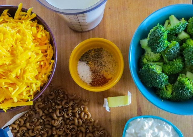 BroccoliMacandCheese-1a