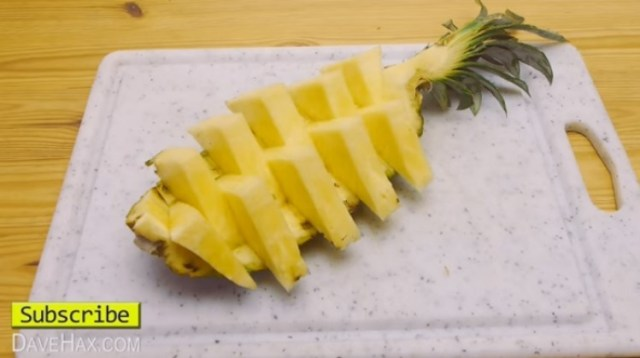 PineappleServingFruitList