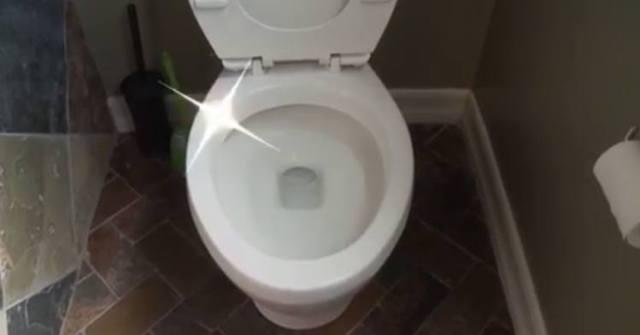 Clean you toilet bowl using mouthwash