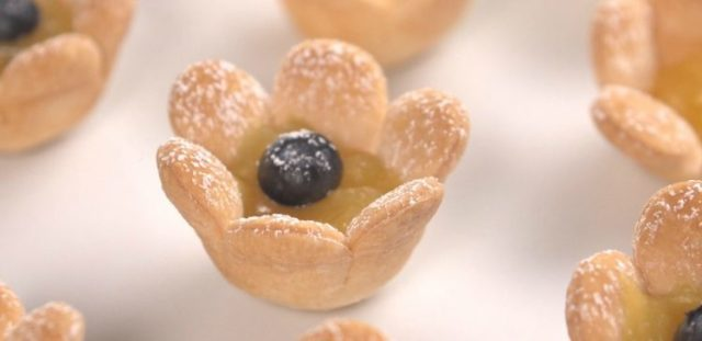 Lemon Curd Flower Tarts Header
