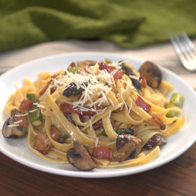 Roasted Asparagus Mushroom Carbonara Thumbnail 1