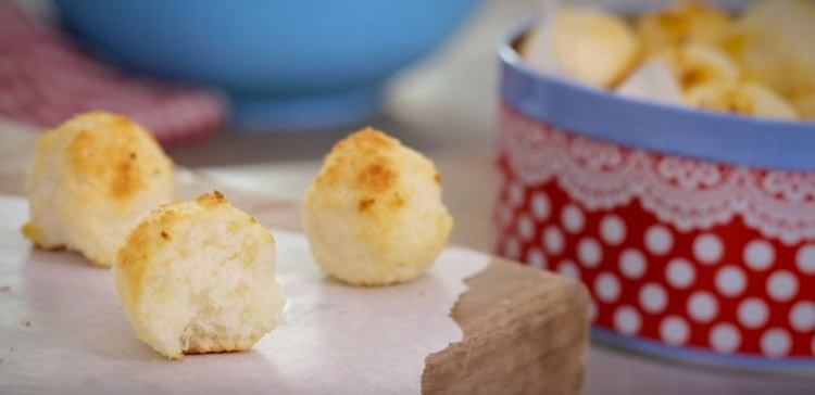 Coconut macaroons made with only 3 ingredients