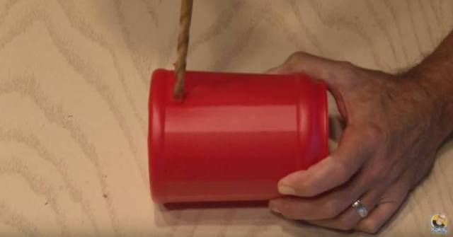 Making a cooling can out of a plastic coffee can