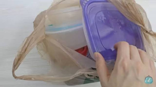 How to organize your Tupperware cabinet.