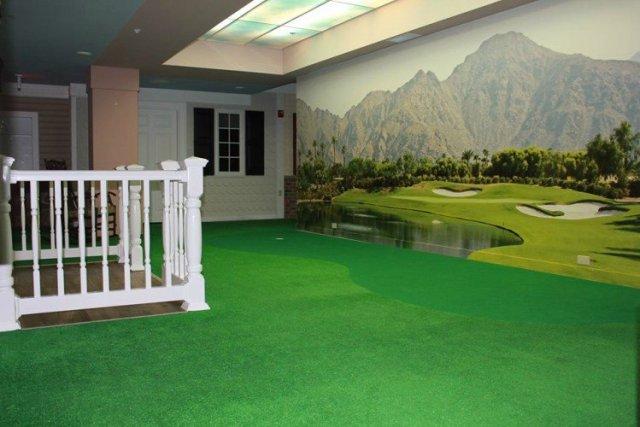 Lantern's Alzheimer's community with golf course.