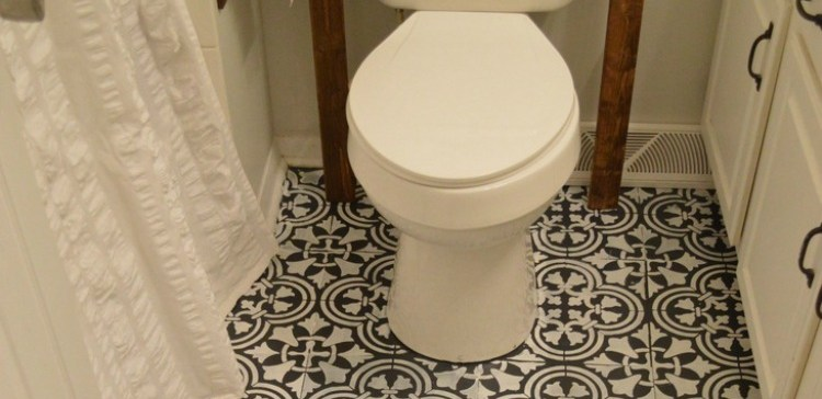 How to fake tile in your bathroom.
