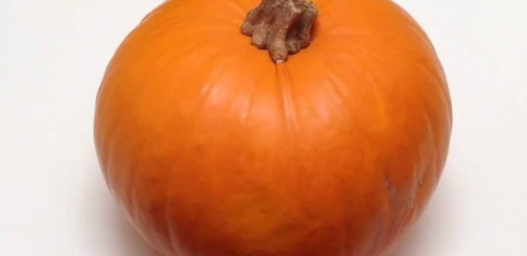 How to easily seed a pumpkin.