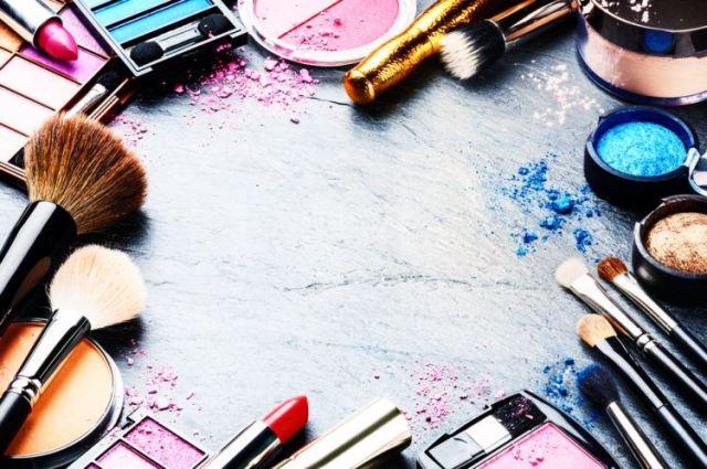 circle of make-up products