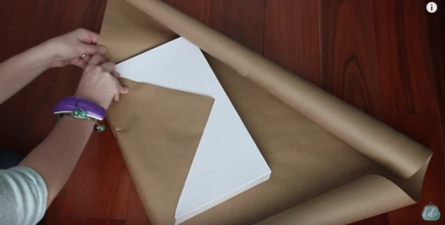 How to quickly wrap presents.
