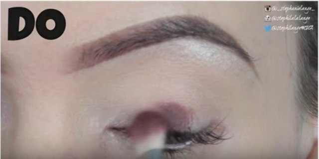 eyeshadow crease