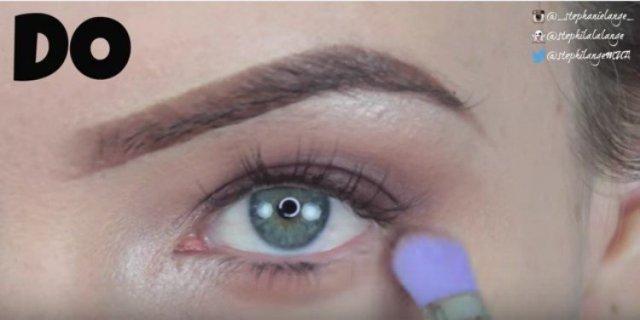 eyeshadow lash line