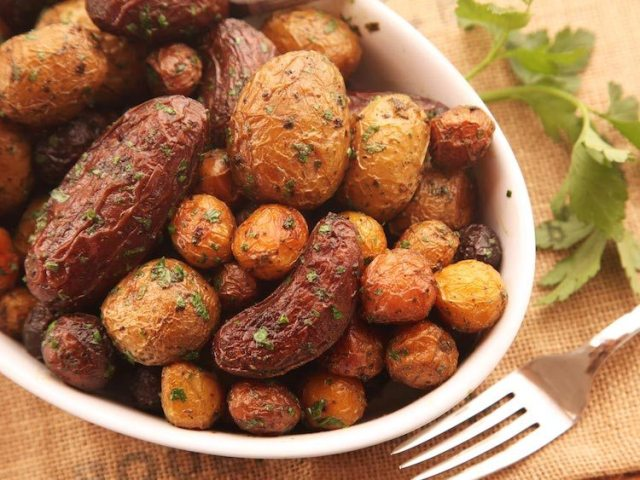 extra-crispy herb-roasted potatoes