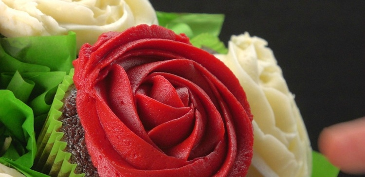 Close-up on red cupcake rose in bouquet