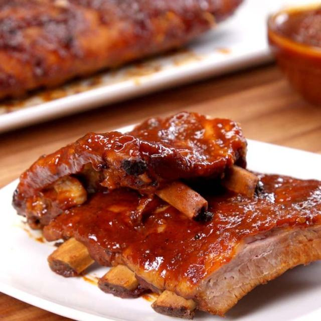 Slow Cooker BBQ Ribs saucy