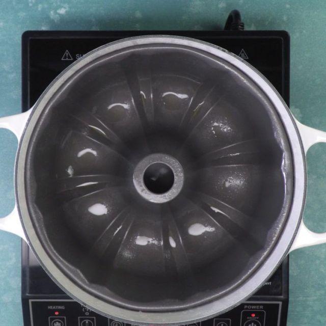 stovetop chocolate bundt cake pan on stove