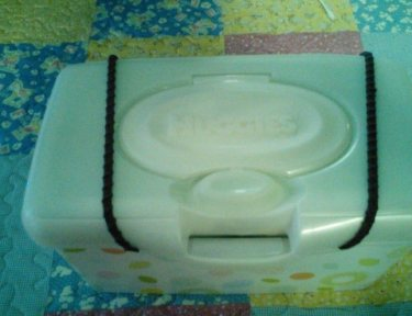 Image of baby wipes container.