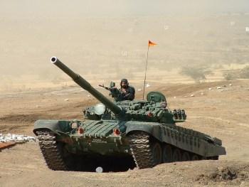 Carro de combate T-72 del Ejército de Tierra indio. Foto de Cell105/Flickr