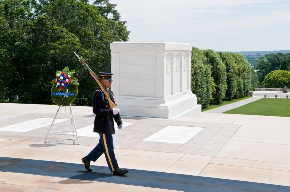 Tomb_of_the_Unknowns