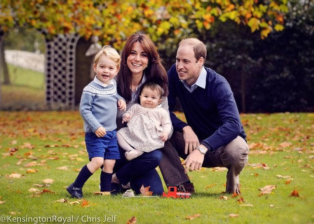 royals-kate-prince-william-holiday-card-2015