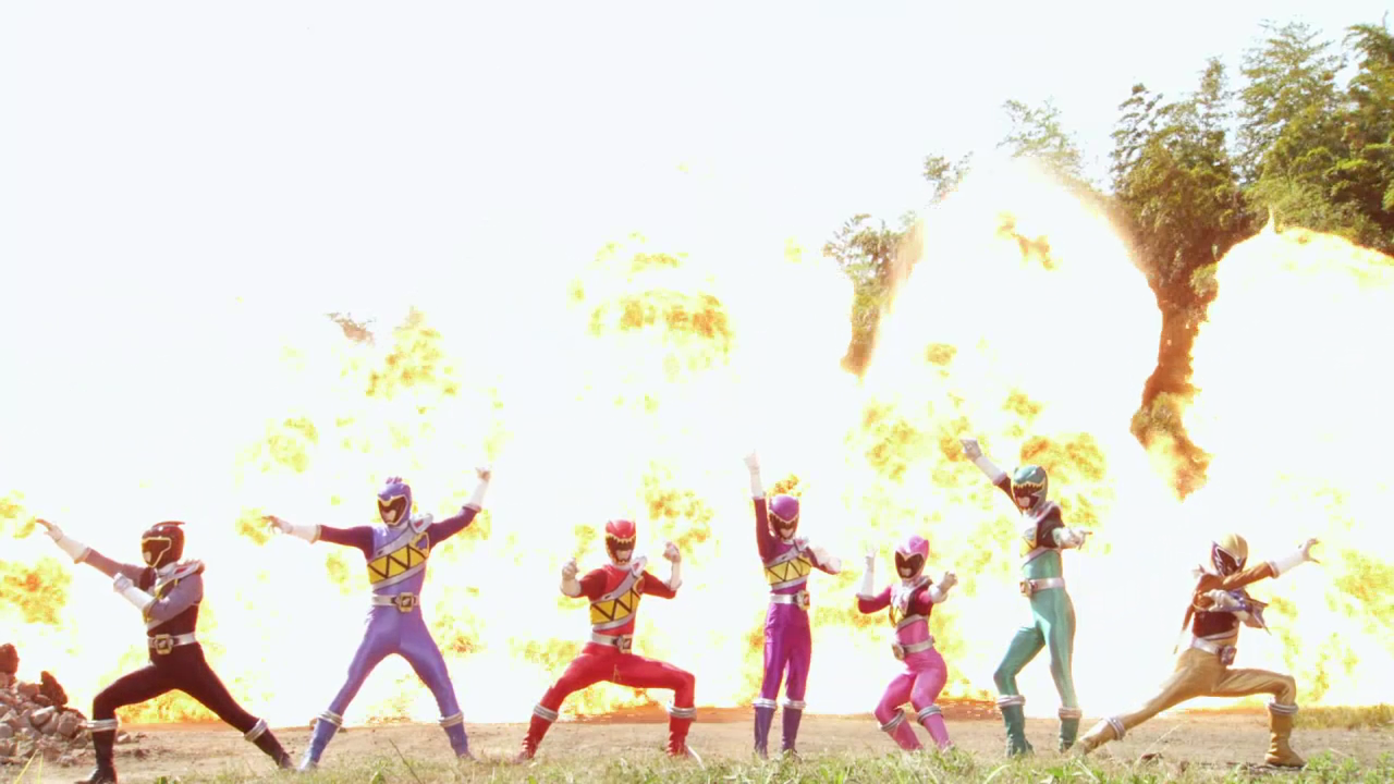 "Weekly Ranger Review: Dino Super Charge Episode 01, ""When Evil Stirs"""