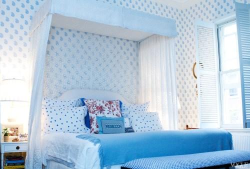 apt-with-lsd-rebecca-de-ravenel-bedroom canopy