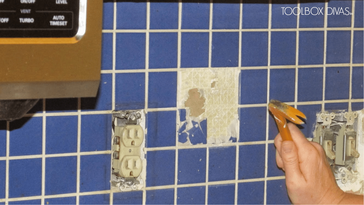 Ceramic wall tile removal