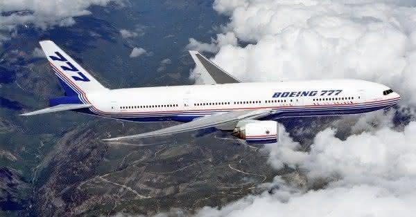 Boeing 777 entre os maiores avioes