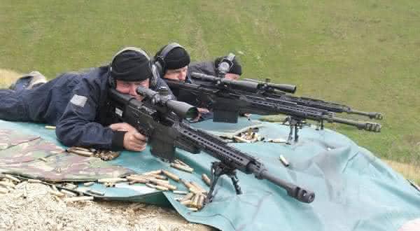 [Imagem: Accuracy-International-AS50-Sniper-Rifle...=600%2C330]