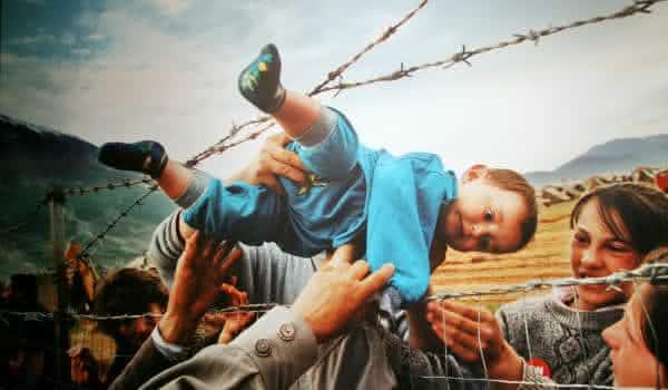 refugiados de kosovo entre as fotos que mais chocaram o mundo