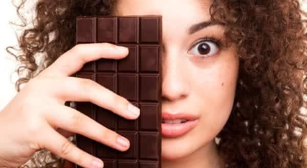 chocolate espinha entre os mitos e equivocos relacionados a acne