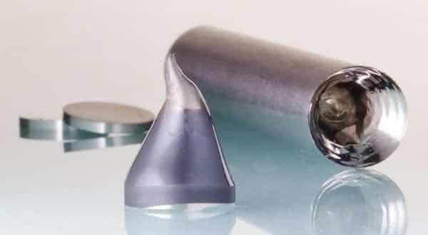 Vidro metalico entre os materias mais fortes do mundo