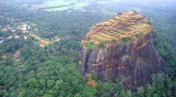 Sigiriya entre as maiores rochas do mundo