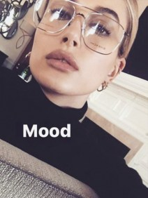 geek chic glasses hailey baldwin