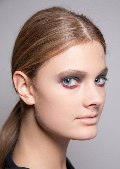 two toned eyeshadow