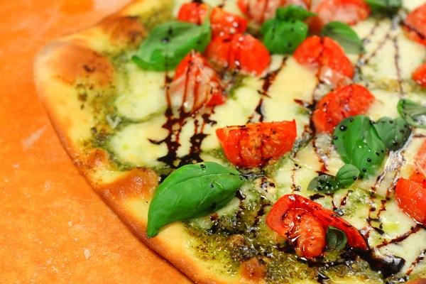 بيتزا كابريزي