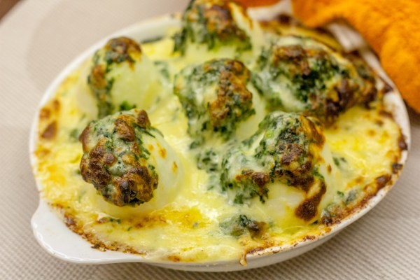 Egg florentine au gratin