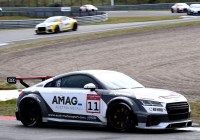 Max Hofer fährt auf das Podium © Audi AG