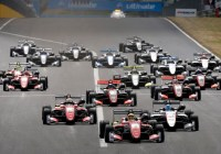 Maximilian Günther nach dem Start in Front © FIA Formel 3