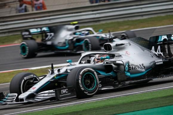Lewis Hamilton auf dem Weg zum Mercedes Doppelsieg © Daimler AG