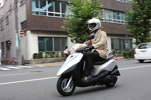 50ccのバイクとスクーターどっちがおすすめなの??それぞれの特徴など!