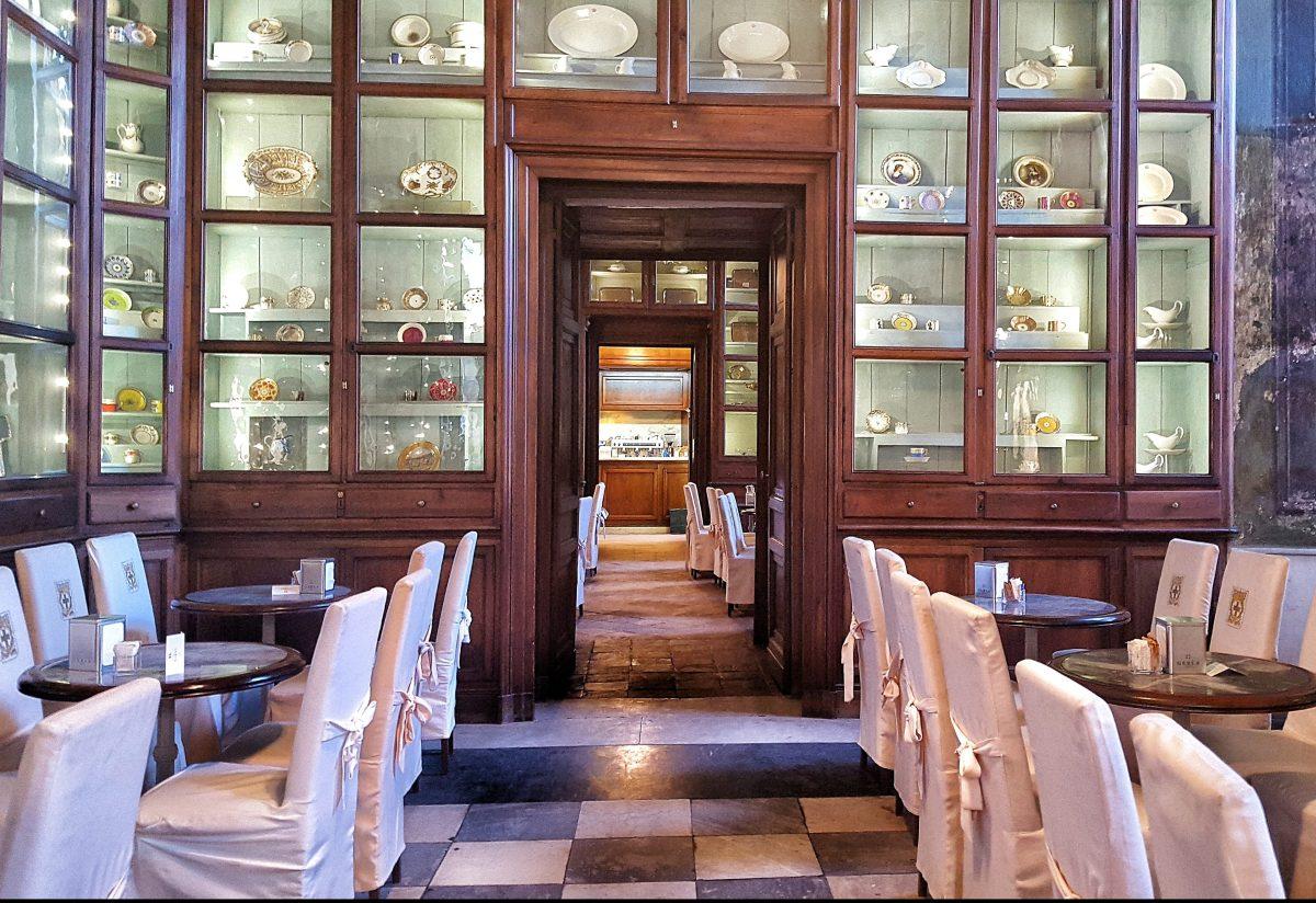 トリノのカフェ巡り トリノ王宮のカフェで優雅なひととき「PALAZZO REALE」